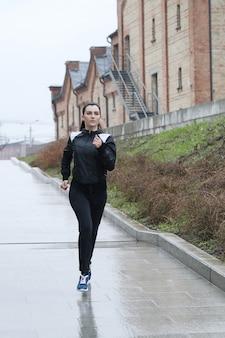 Mujer deporte al aire libre