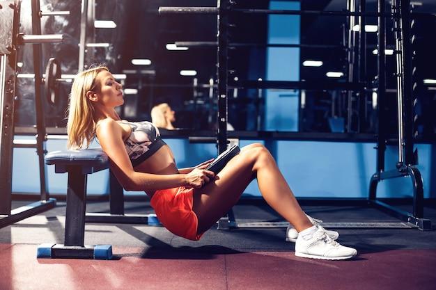 Mujer deporte haciendo ejercicio