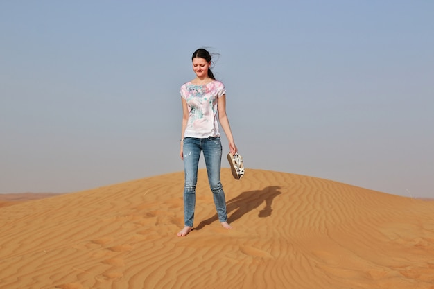 Mujer en un desierto