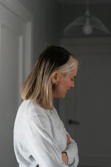 Mujer enojada después de una pelea