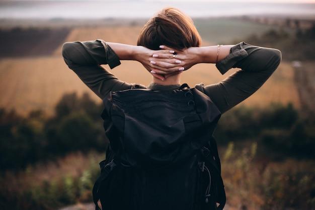 Mujer, excursión, en, el, montañas