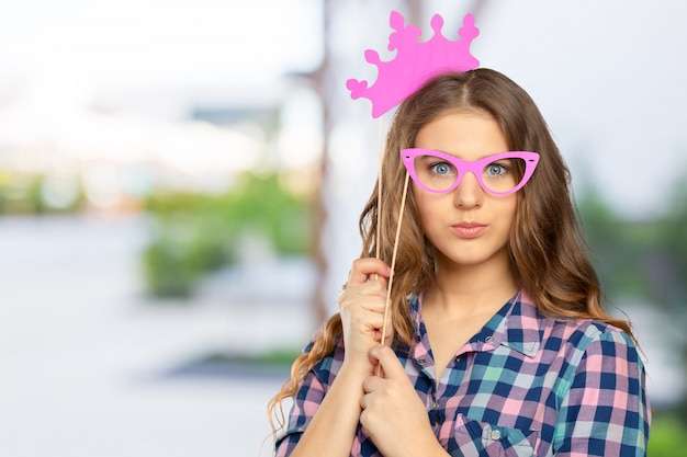 Mujer en una fiesta de photo booth