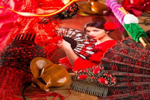 Mujer flamenca con torero y típica espana española.