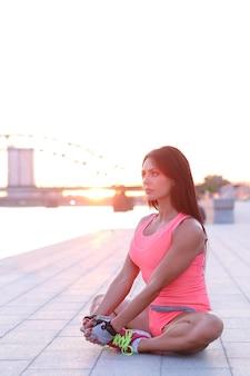 Mujer haciendo deporte al aire libre