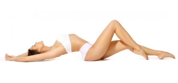 Mujer con hermosas piernas largas