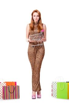 Mujer joven en concepto de las compras en blanco
