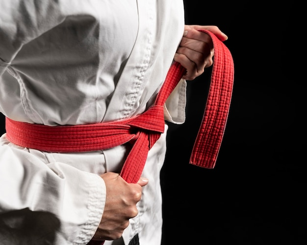 Mujer joven, hacer, karate