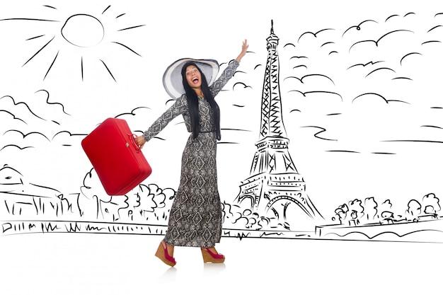 Mujer joven viajando a paris