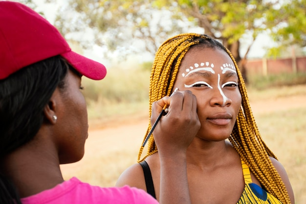 Mujer maquillaje para carnaval