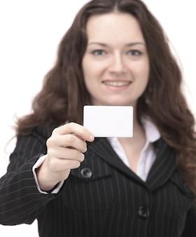 Mujer de negocios, actuación, tarjeta de visita en blanco