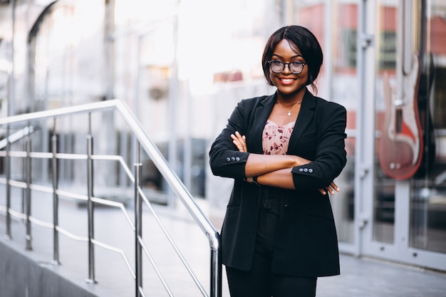 Mujer de negocios afroamericana