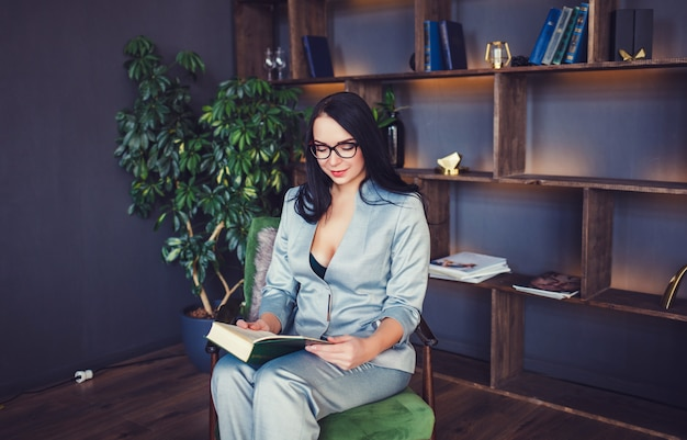 Mujer de negocios informal