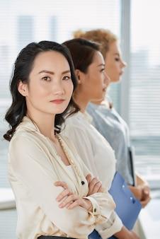 Mujer de negocios seguros