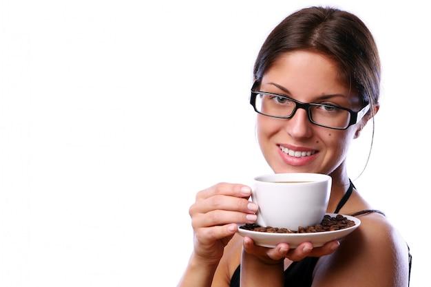 Mujer de negocios tomando café