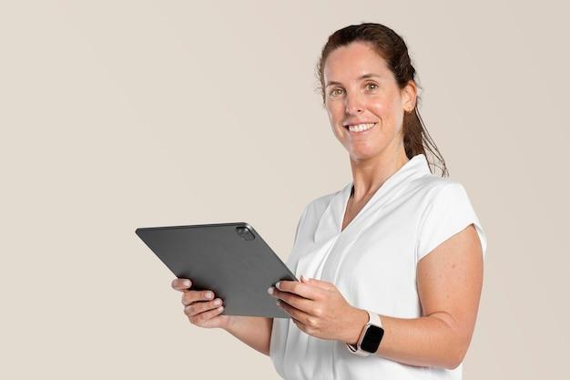 Mujer de negocios, utilizar, tableta