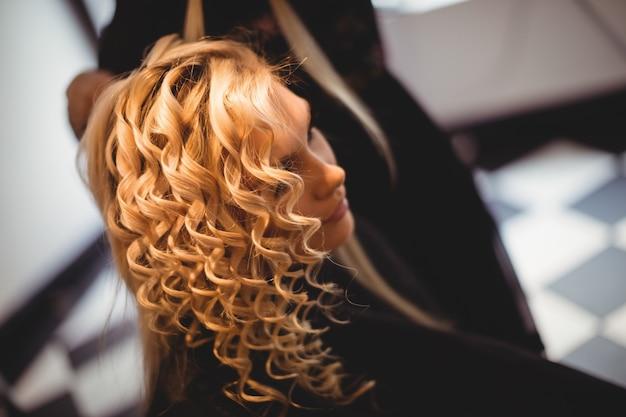 Mujer, en, peluquería