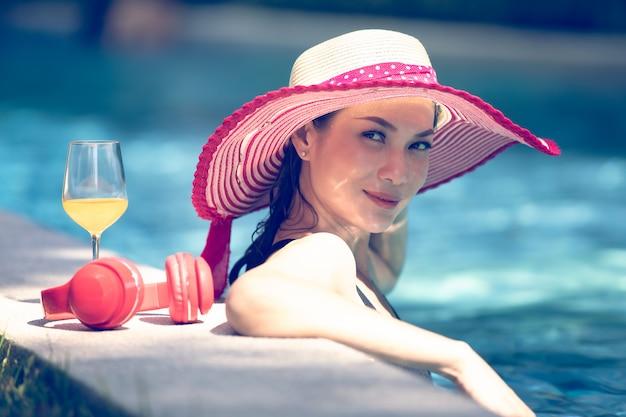 Mujer, en, piscina