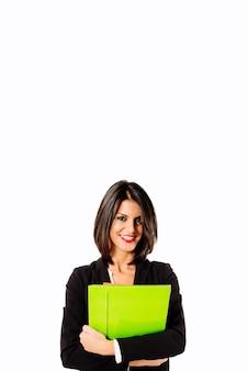 Mujer profesional sonriente en el fondo blanco