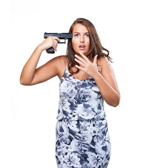 Mujer que intenta suicidarse