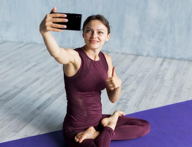 Mujer satisfecha con su entrenamiento