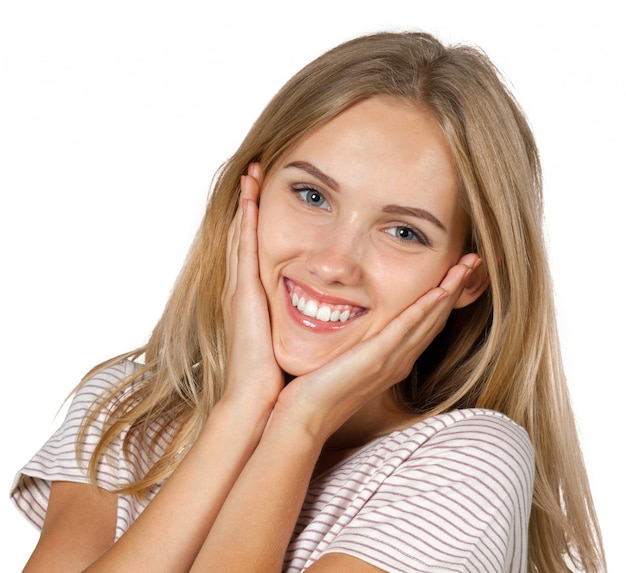 Mujer sonriendo con perfecta sonrisa