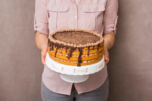 Mujer, tenencia, delicioso, pastel