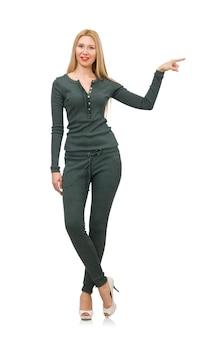 Mujer en traje verde aislado en blanco