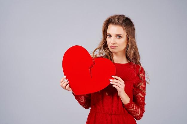 Mujer triste, con, corazón roto