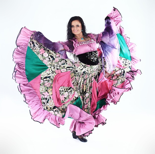 Mujer con vestido de gitana