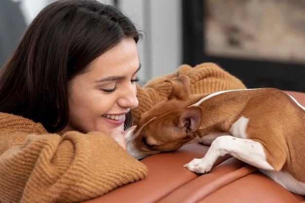 Mujer, vinculación, con, ella, perro