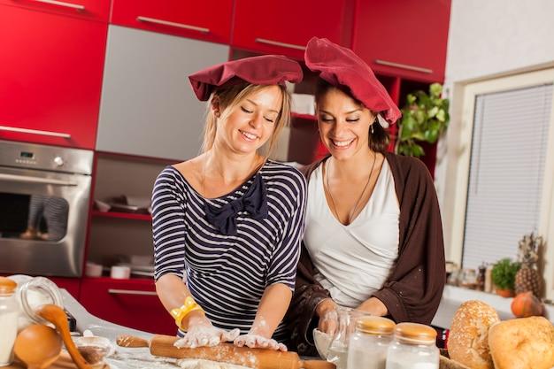Mujeres en la cocina