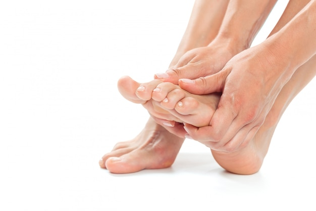 Mujeres hermosas pies aislados