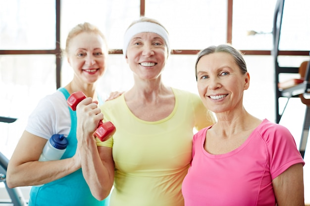 Mujeres practicando fitness