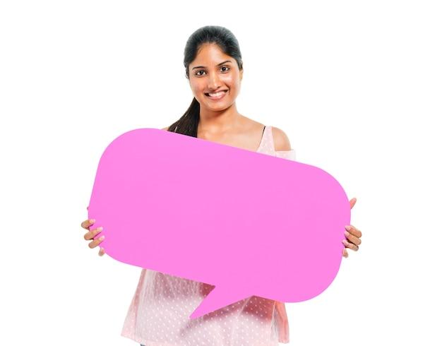 Mujeres sosteniendo chat bubble