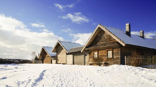 Museo estatal bielorruso de arquitectura popular, región de minsk, pueblo de azjarco, bielorrusia