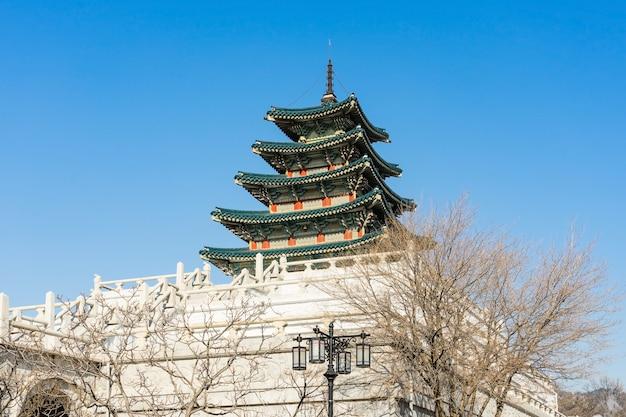 Museo nacional de folk de corea del sur en la ciudad de seúl en invierno