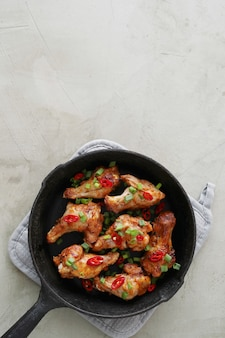 Muslos de pollo frito