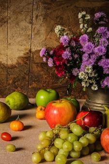 Naturaleza muerta con frutas.
