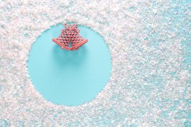Navidad azul con copyspace redondo. vacaciones con copyspace, vista superior plana