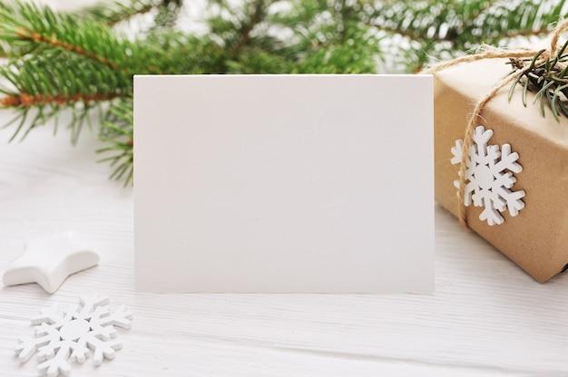 Navidad para tarjeta de felicitación hoja de papel con copyspace