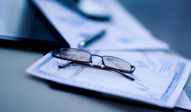 Negocio de análisis financiero del lugar de trabajo