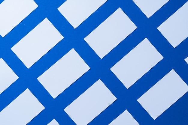Negocio de papel en blanco simulacro en azul clásico