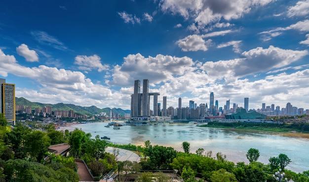 Nightscape skyline de arquitectura urbana en chongqing, china