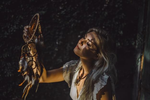 Niña y cazadora de sueños