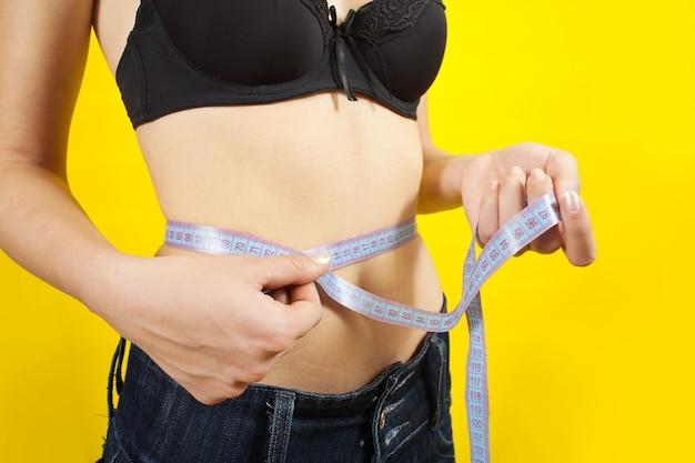 Niña, medición, cintura