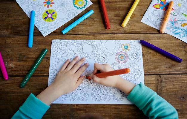 Niño para colorear fotos