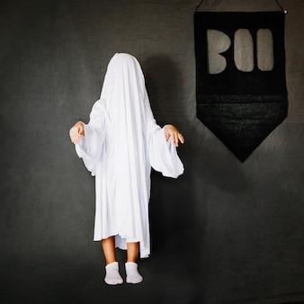 Niño, fantasma, disfraz