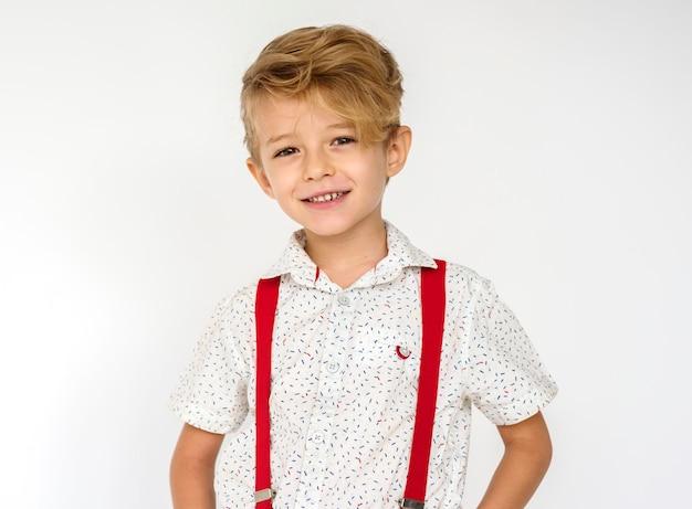 Niño pequeño de moda