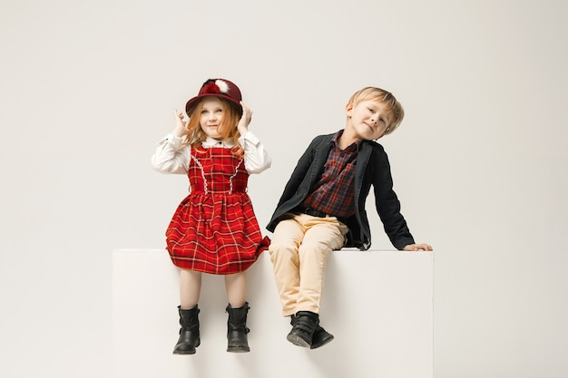 Niños lindos con estilo
