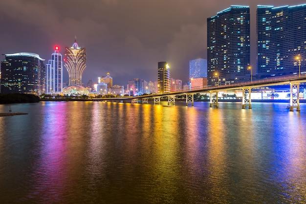Noche de paisaje urbano de macao